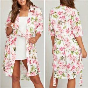 Gorgeous show me your mumu robe EUC